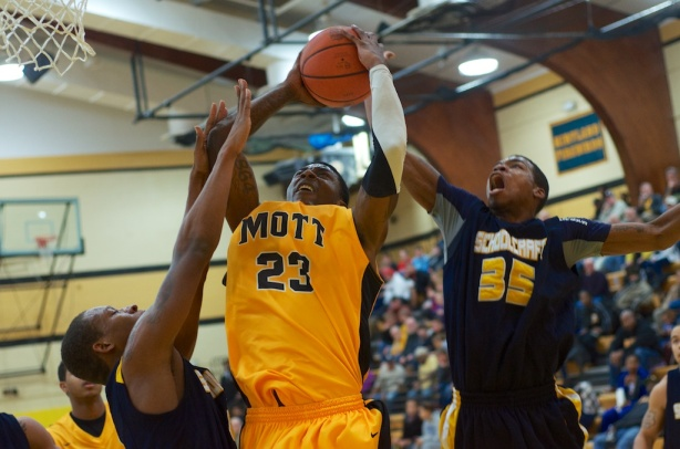 Sophomore Fred Mattison scored 19 points with nine rebounds on Saturday in Mott's blowout of Schoolcraft.