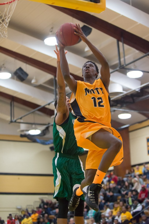 Mott freshman Lorenzo Collier turned in his best performance of the season on Saturday, scoring 20 points in a win over Oakland.