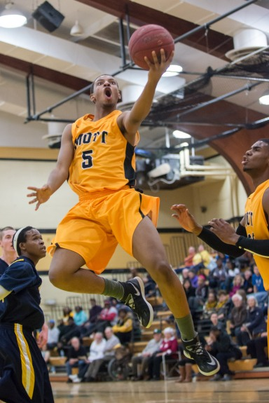 Mott sophomore Devin Foster scored 20 points with 10 assists in a blowout win over Schoolcraft Saturday.