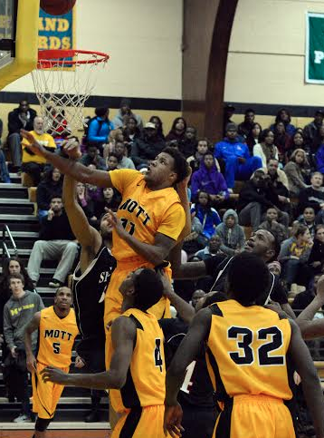 Mott freshman Rod Milton scored two of his 15 points on Friday night in a win over Sinclair. (Mike Tews photo)